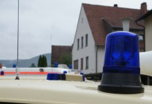 Symbolbild, Rettungswagen, Krankenwagen, Blaulicht
