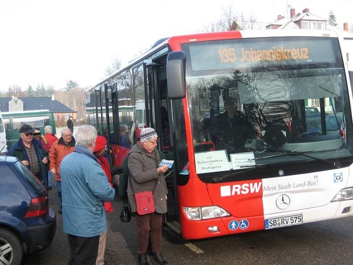 Mit Bussen zur Waldweihnacht in Johanniskreuz (Foto: Haus der Nachhaltigkeit)