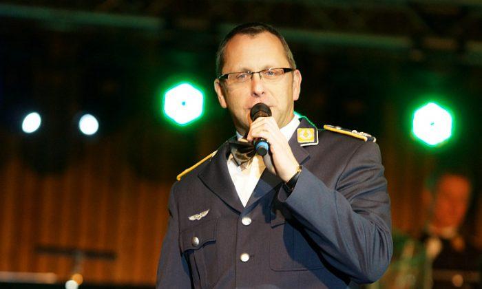 Bandleader Oberstleutnant Christian Weiper (Foto: Holger Knecht)