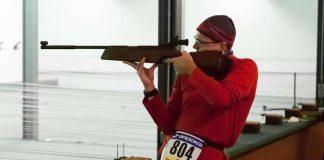 2015 schossen die Athleten noch stehend mit dem Luftgewehr (Foto: FV Sportfreunde Forchheim, Abteilung Triathlon)