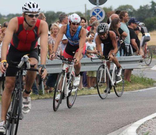 Triathlon Hotspot für die Zuschauer am Kreisel bei der Einfahrt zum Epplesee (Foto: FV Sportfreunde Forchheim, Abteilung Triathlon)