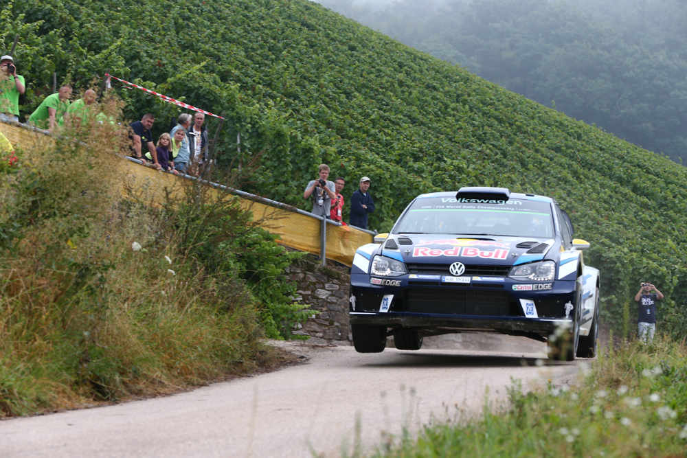 Andreas Mikkelsen im VW (Foto: ADAC Motorsport)