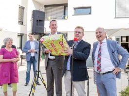 OB Michael Ebling und die Wohnbau-Geschäftsführer Thomas Will und Franz Ringhoffer weihten das Wohnprojekt ein (Foto: Einweihung (Foto: Wohnbau Mainz / T. Wegner)