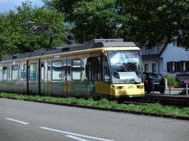 Straßenbahn in Karlsruhe (Foto: Holger Knecht)