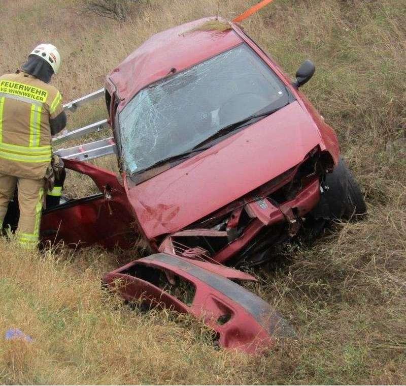 Schwerer Verkehrsunfall BAB 63 (Foto: Polizei)