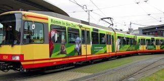 Ein tierischer Hingucker: Neu gestaltete Stadtbahnen werden nun für einen Besuch des Karlsruher Zoos (Foto: Timo Deible / Zoologischer Stadtgarten Karlsruhe)