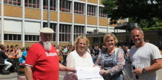 v.l.: Hans-Peter Wagner, Regierungspräsidentin Nicolette Kressl, Christine Ettwein-Friehs und Markus Willy (Foto: Regierungspräsidium Karlsruhe)