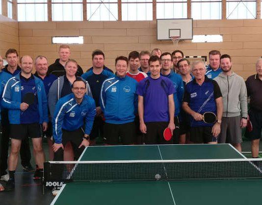 Gruppenbild aller Teilnehmer (Foto: TTC 2010 Lorsch)