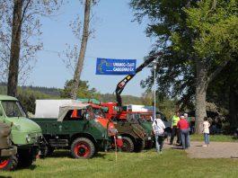 Ausgestellte Unimogs an der Esthaler Waldfesthalle (Foto: UCG Regionalgruppe Pfalz)