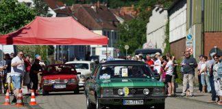 Teilnehmer bei der 1. Prüfung, dem 'Lambrechter Sprint' in der Wiesenstraße (Foto: Holger Knecht)