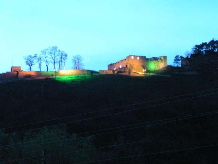 Illuminierte Wolfsburg (Foto: Die Waldschatten Wald- und Wanderverein e.V.)