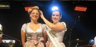 Davina gibt die Krone an Jasmin weiter (Foto: Gemeindeverwaltung Haßloch)
