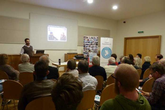 Vortrag von Journalist Simon Jacob