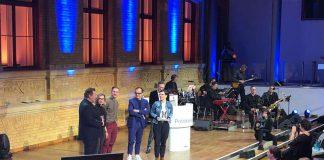 Mit dem Politikaward ausgezeichnet (Foto: Lena Giovanazzi)