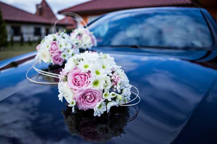 Symbolbild, Auto, Hochzeitwagen, Blumenschmuck © Pixabay