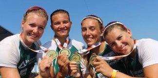 Die erfolgreichen Leistungsklassen-Damen nach dem dritten Platz im Viererkajak über 500 Meter. Von links: Sarah Brüßler, Greta Köszeghy, Katinka Hofmann und Xenia Jost. (Foto: Martina Tirolf)