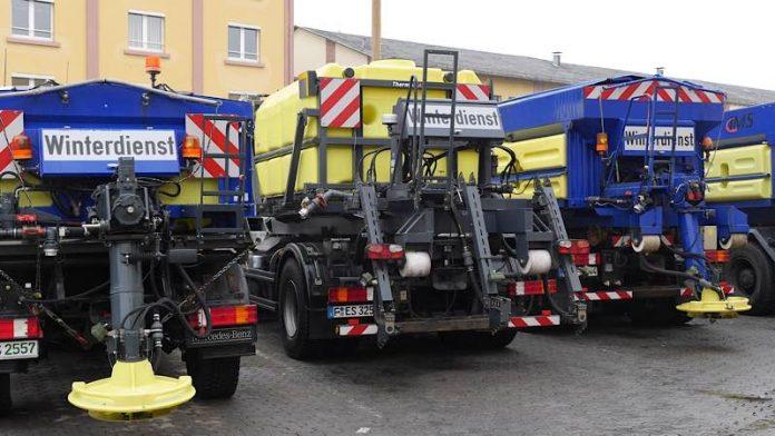 Winterdienstfahrzeuge der FES (Foto: Stadt Frankfurt)