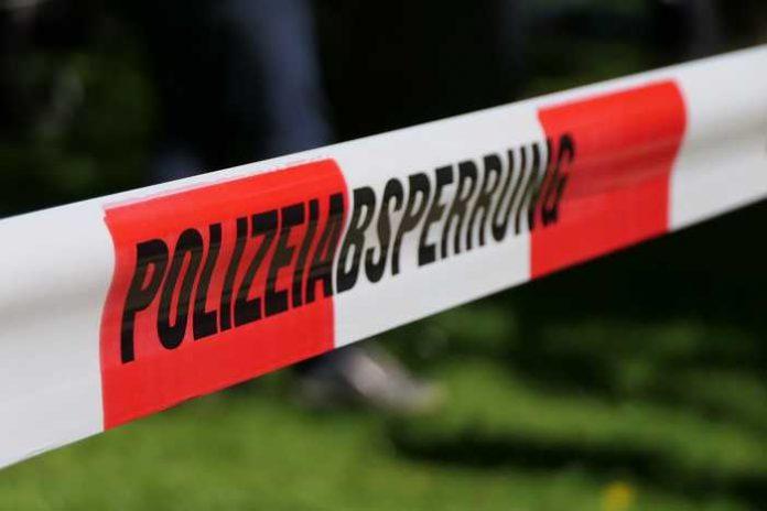 Symbolbild, Polizei, Absperrung, Band © on Pixabay