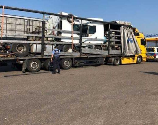 LKW-Kontrolle - Sichergestellter LKW aus Rumänien