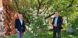 Geschäftsführer Jürgen See (li.) und Landrat Dietmar Seefeldt (re.) (Foto: DRK Kreisverband Südliche Weinstraße e.V. )