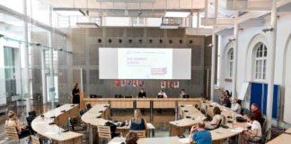 Pressekonferenz im Neuen Sitzungssaal des Heidelberger Rathauses (Foto: Susanne Reichardt)