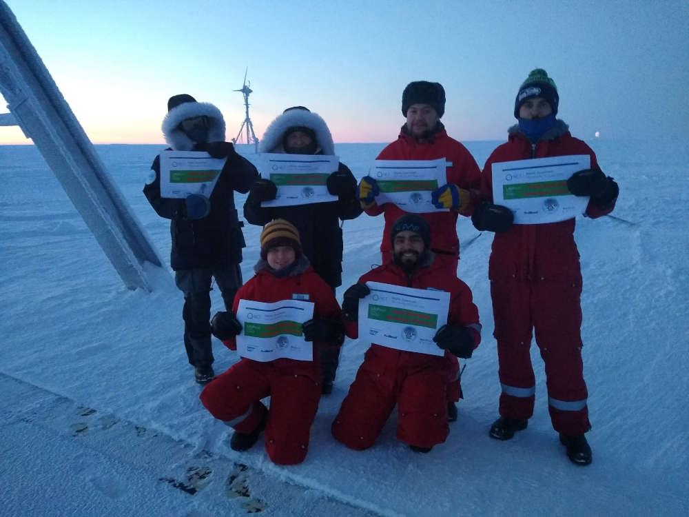 Den ungewöhnlichsten Beitrag leisteten wohl sieben Überwinterer der Neumayer III in der Antarktis. Die Neumeyer III gehört zum Alfred-Wegener-Institut des Helmholtz-Zentrums für Polar- und Meeresforschung. Einige Meter legten die Forscherinnen und Forscher bei minus 40 Grad zurück. Der Rest erfolgte auf dem Laufband. (Foto: Alfred-Wegener-Institut / Klaus Guba