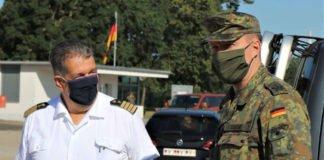 Kapitän zur See Matthias Metz und Oberstleutnant Peter Eckert (Foto: Bundeswehr/Frank Wiedemann)