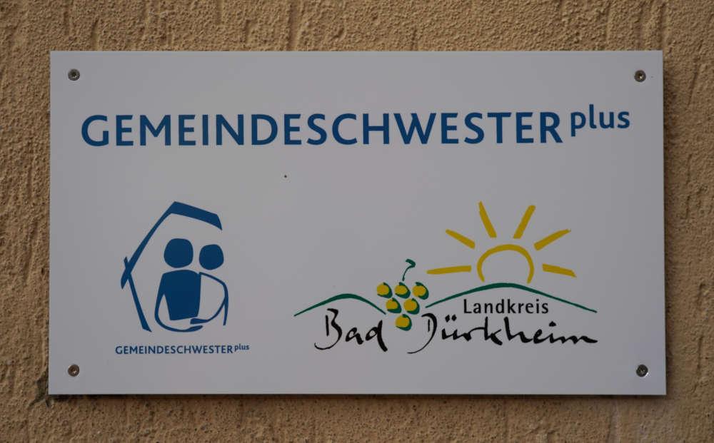 Schild Gemeindeschwester plus (Foto: Holger Knecht)