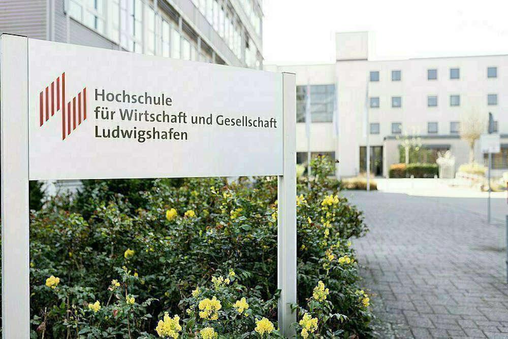 Hochschule für Wirtschaft und Gesellschaft Ludwigshafen, A- und B-Gebäude (Foto: HWG LU)