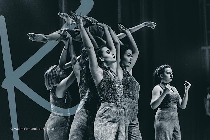 Liedertheater (Foto: Vadim Fomenok on Unsplash)