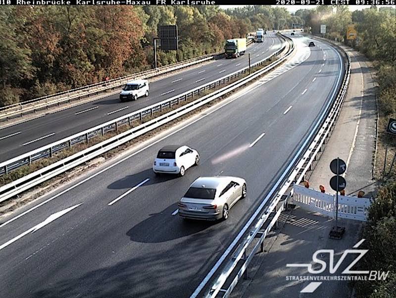 Der südliche Radweg auf der Rheinbrücke ist heute noch gesperrt (Quelle: RPKA)