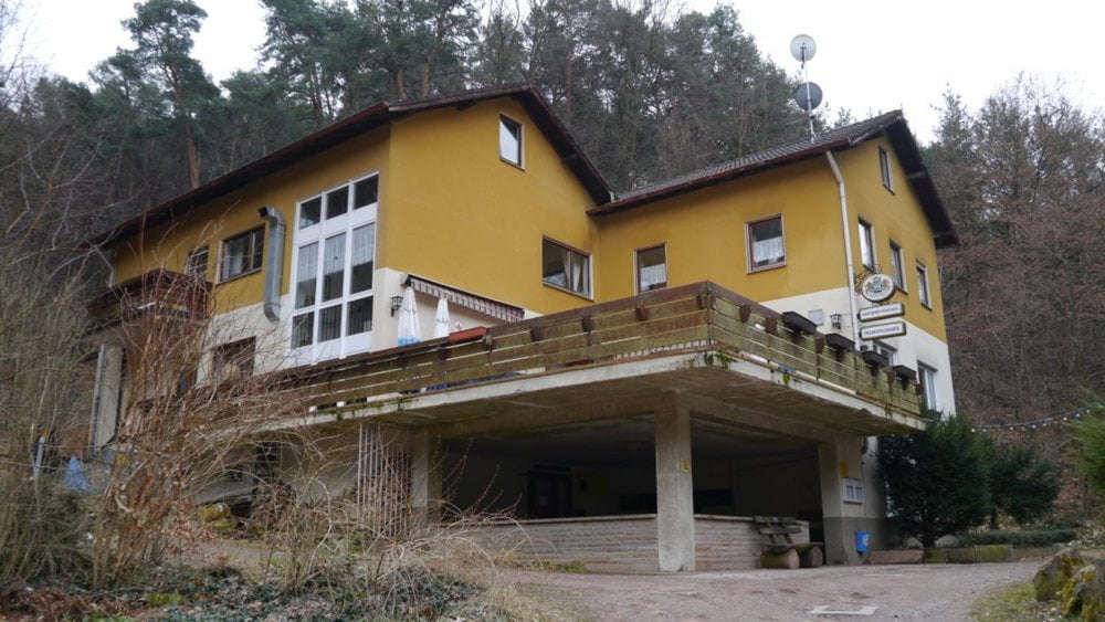 Liegt in einem romantischen Tal: das Naturfreundehaus Groß-Eppental bei Bad Dürkheim-Grethen (Foto: Bezirksverband Pfalz)