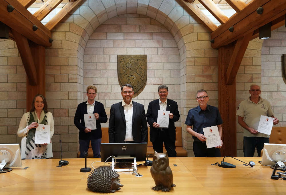 v.l. Carola Bischoff, Joseph Moog, Oberbürgermeister Marc Weigel, Michael Landgraf, Gerhard Hofmann und Gregor Braun (Foto: Holger Knecht)