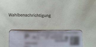 Per Post verschickte Wahlbenachrichtigung (Foto: Holger Knecht)