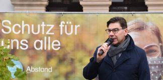 Die Stadt Landau mit OB Thomas Hirsch wirbt für die Einhaltung der AHA+L-Formel. (Quelle: Stadt Landau)