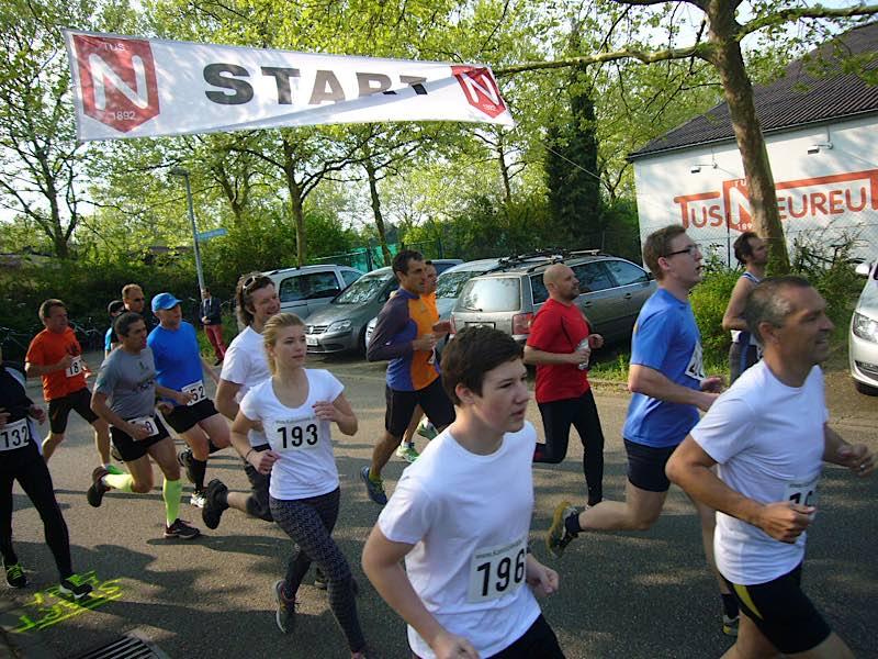 Start Volkslauf TuS Neureut (Foto: Hannes Blank)