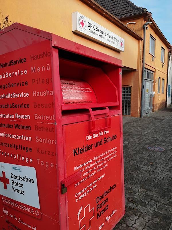 DRK-Sammelcontainer vor dem Second-Hand-Shop in der Schmähgasse 39, Haßloch. (Foto: DRK-Ortsverein Haßloch-Meckenheim)
