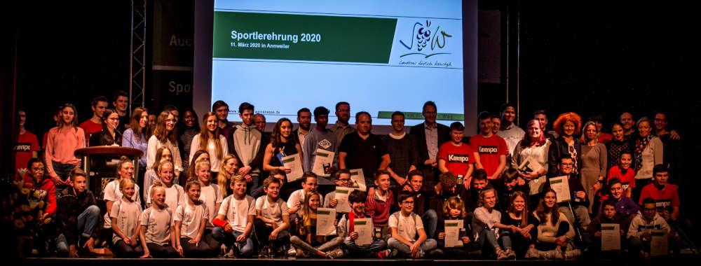Vergangenen März wurden die erfolgreichen Sportlerinnen und Sportler im Landkreis SÜW im Hohenstaufensaal Annweiler geehrt. (Foto: Max Winstel)