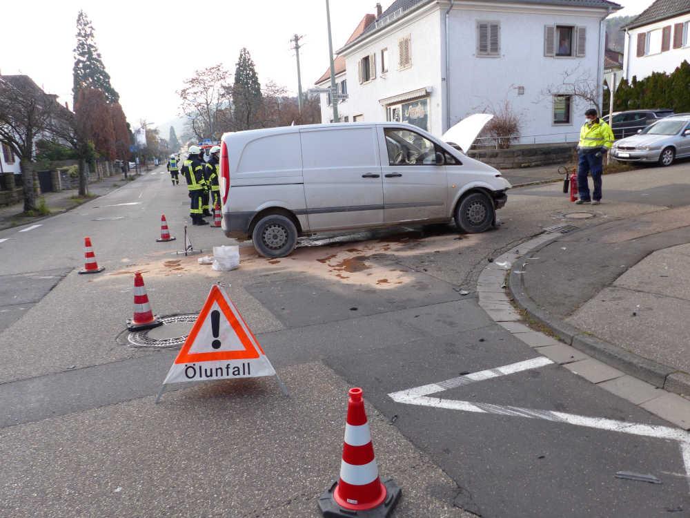 Verkehrsunfall im Mühlweg (Foto: Feuerwehr Neustadt)