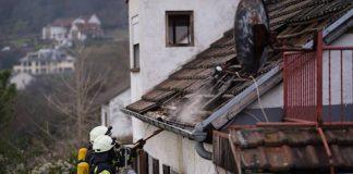 Neustadt Weinstraße Gimmeldingen Gebäudebrand (Foto: Holger Knecht)