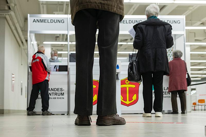 Start der heutigen Impfungen im Impfzentrum (Foto: Stadt Ludwigshafen)