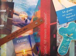 Die Vielfalt der Materialien der Jahreslosung des letzten Jahres (Foto: DBG)
