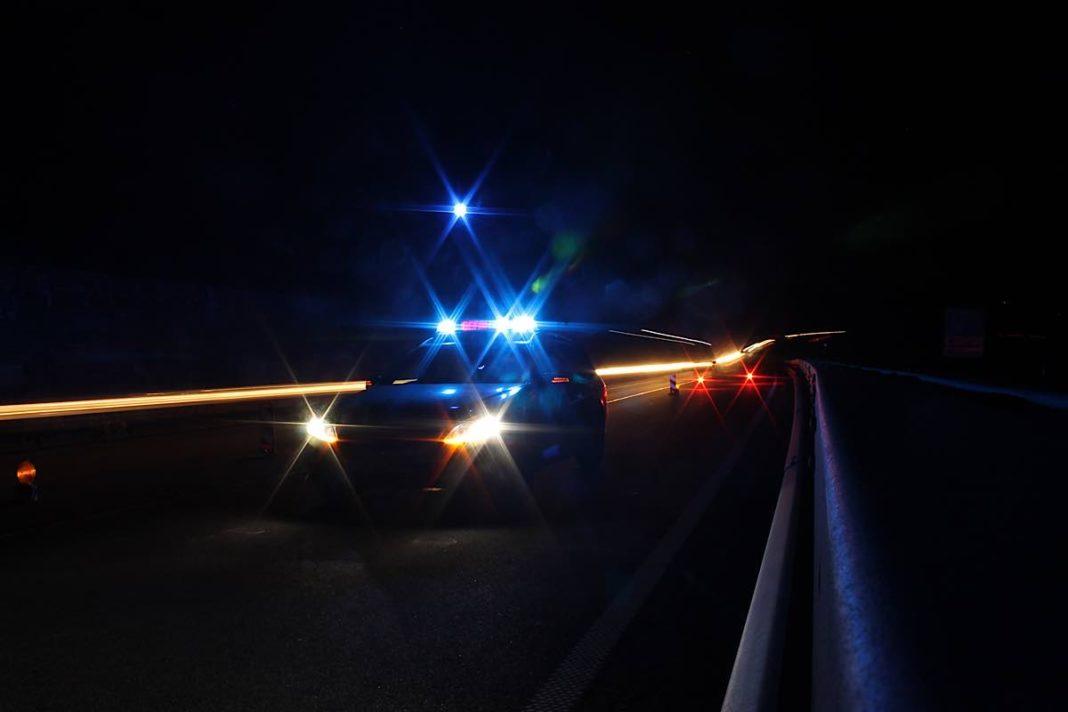 Symbolbild Funkstreifenwagen bei Nacht (Foto: Polizei RLP, PAST Ruchheim)