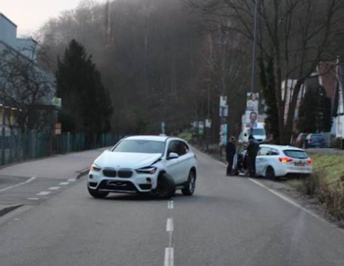 Die beiden beteiligten Fahrzeuge (Foto: Polizei RLP)