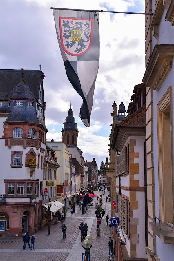 Ein aktueller Blick in die Landauer Fußgängerzone. (Quelle: Stadt Landau)