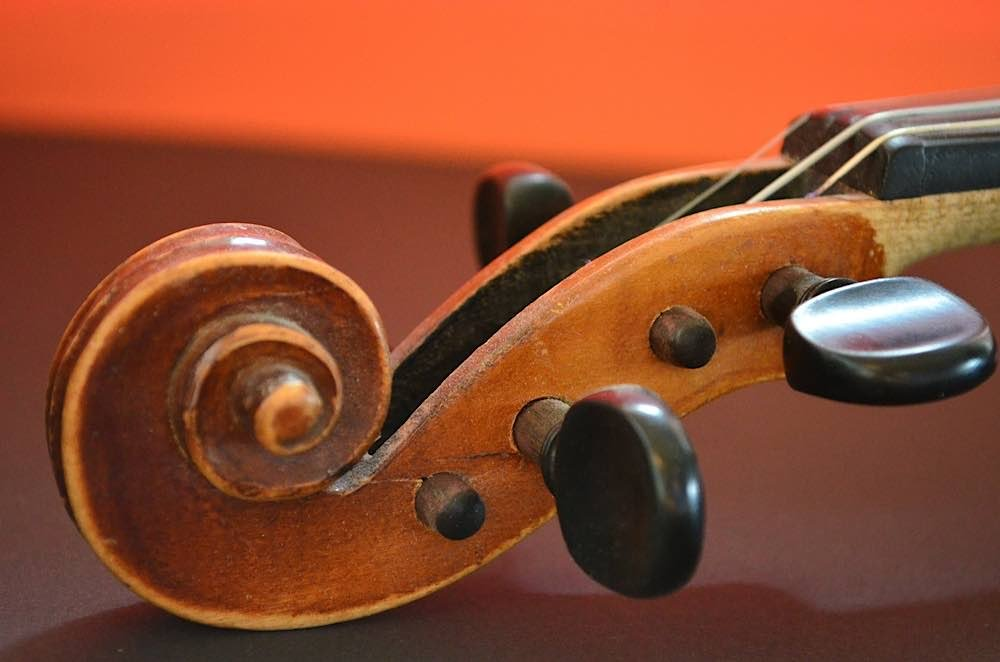 Symbolbild Geige Violine Musikinstrument (Foto: Pixabay/Claudia Peters)