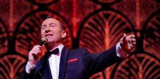 MY WAY - Die Sinatra Story - Tam Ward als Frank Sinatra (Foto: Dita Vollmond)