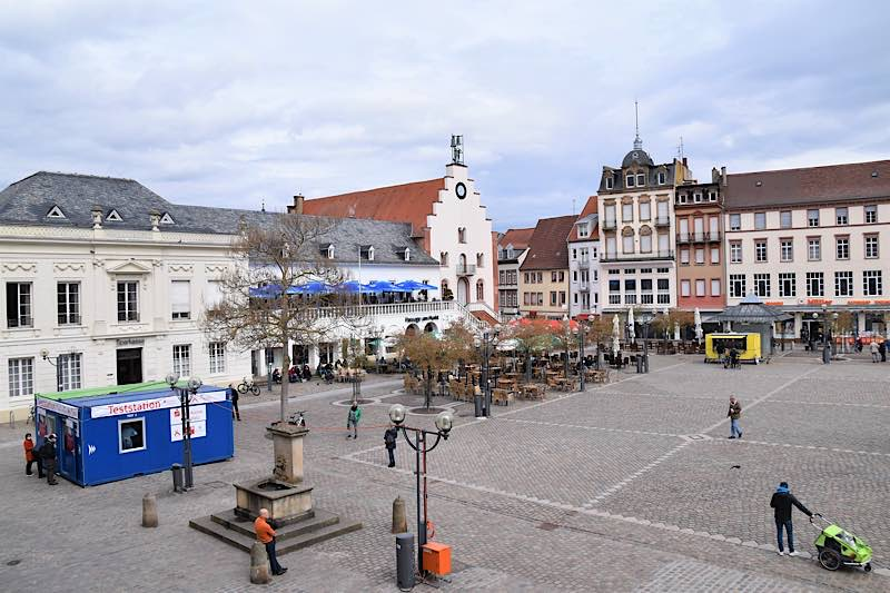 Der Rathausplatz in Landau. Die Stadt hat eine für Sonntag hier geplante Kundgebung untersagt. (Quelle: Stadt Landau)