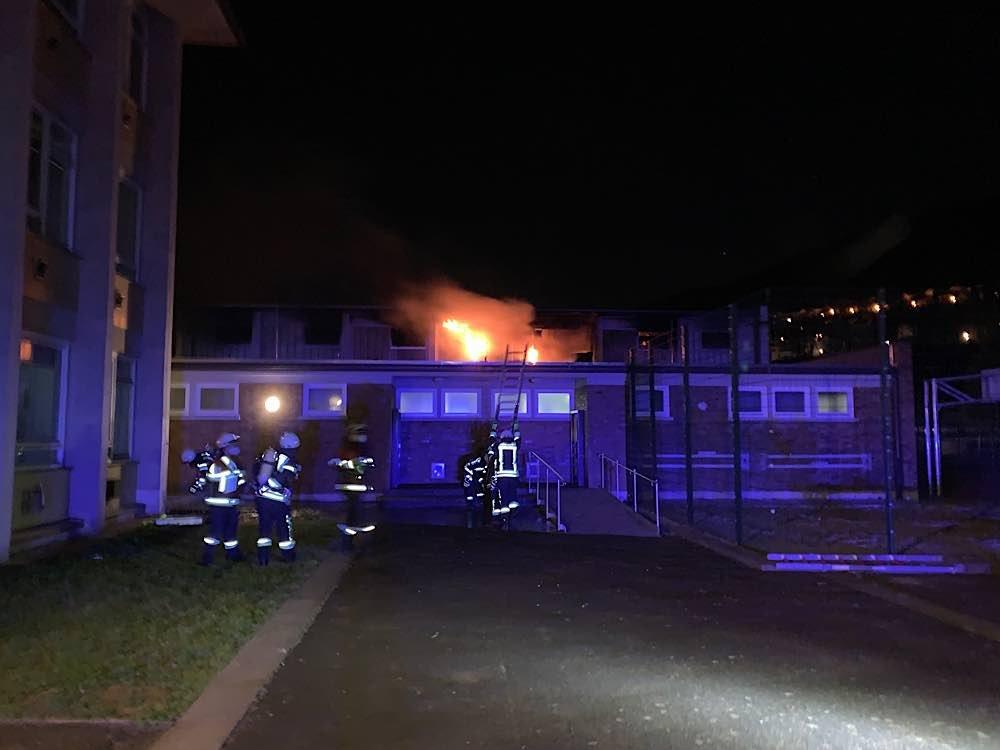 Brand der Turnhalle der Schöntalschule (Foto: Feuerwehr Neustadt)