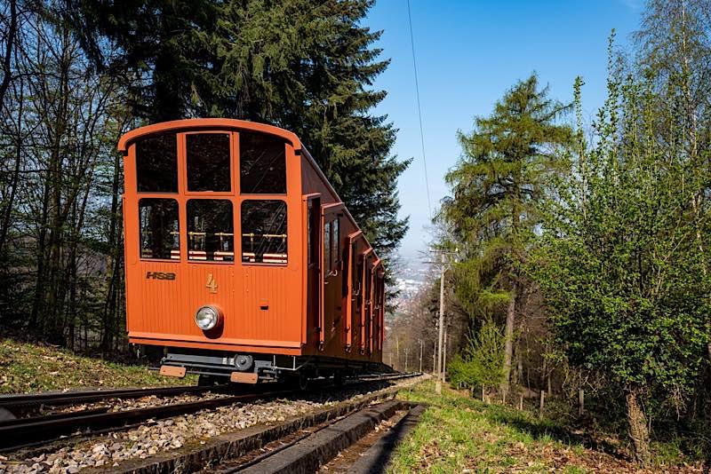 Die Bergbahnen bringen ihre Fahrgäste wieder zum Schloss und Königstuhl. (Foto: Tobias Dittmer/Stadtwerke Heidelberg)